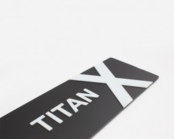 Titan X Black-White